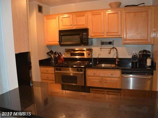 Hi-Rise 9+ Floors, Traditional - WASHINGTON, DC (photo 4)
