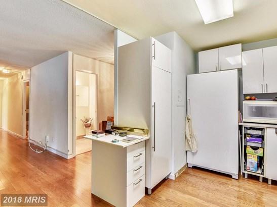 Hi-Rise 9+ Floors, Contemporary - NORTH BETHESDA, MD (photo 4)