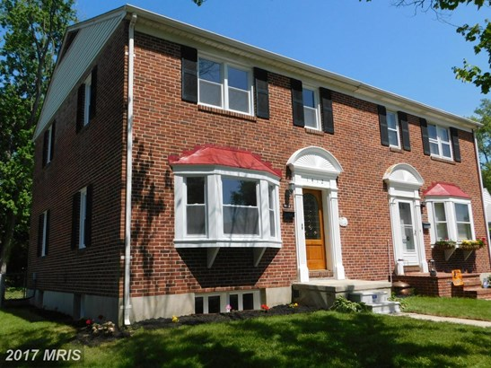 Semi-Detached, Traditional - TOWSON, MD (photo 2)