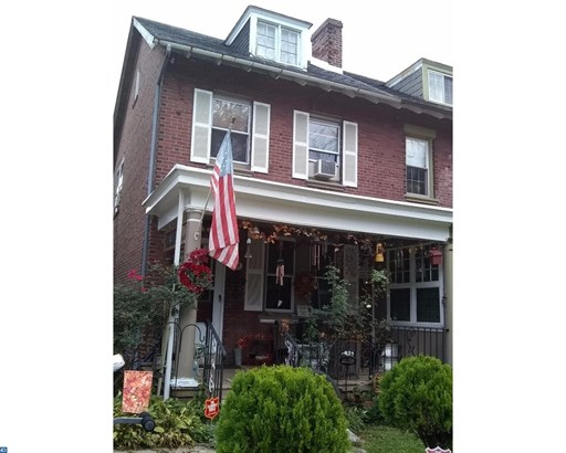 Semi-Detached, EndUnit/Row - NORRISTOWN, PA (photo 1)