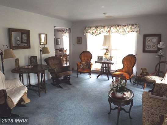 Colonial, Detached - MARTINSBURG, WV (photo 4)