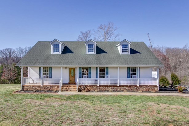 Cape Cod, Residential - Bedford, VA (photo 1)