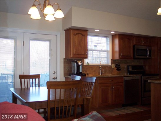 Contemporary, Detached - BUNKER HILL, WV (photo 4)