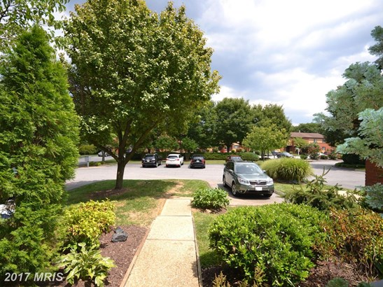 Transitional, Townhouse - TOWSON, MD (photo 5)
