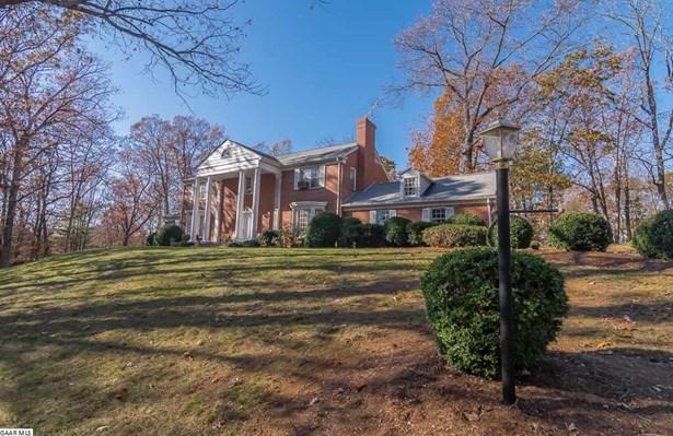 Colonial, Detached - STAUNTON, VA (photo 2)