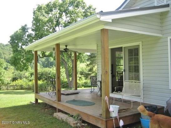Bungalow/Cottage, Detached - Floyd, VA (photo 3)