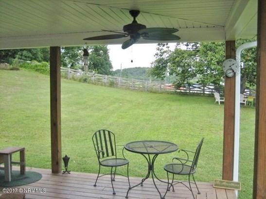 Bungalow/Cottage, Detached - Floyd, VA (photo 4)