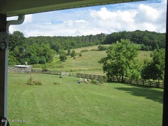 Bungalow/Cottage, Detached - Floyd, VA (photo 5)