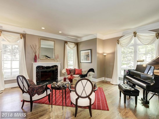 Detached, French Provincial - MCLEAN, VA (photo 4)