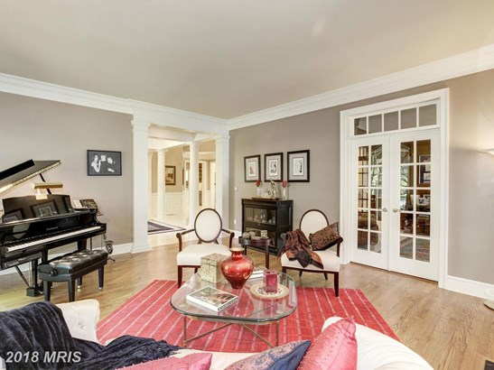 Detached, French Provincial - MCLEAN, VA (photo 5)