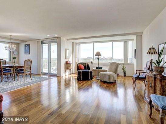 Hi-Rise 9+ Floors, Contemporary - ALEXANDRIA, VA (photo 1)