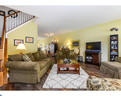 Row/Townhouse, Colonial - WEST CHESTER, PA (photo 4)
