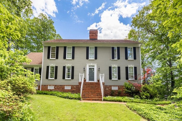 Colonial, Two Story, Single Family - North Chesterfield, VA