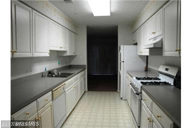 Townhouse, Traditional - RIVERDALE, MD (photo 2)