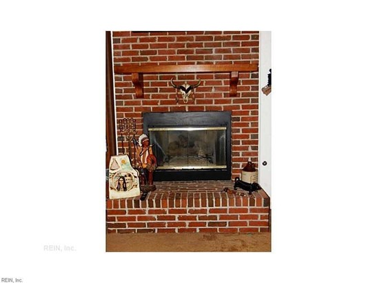 Colonial, Single Family - Newport News, VA (photo 5)