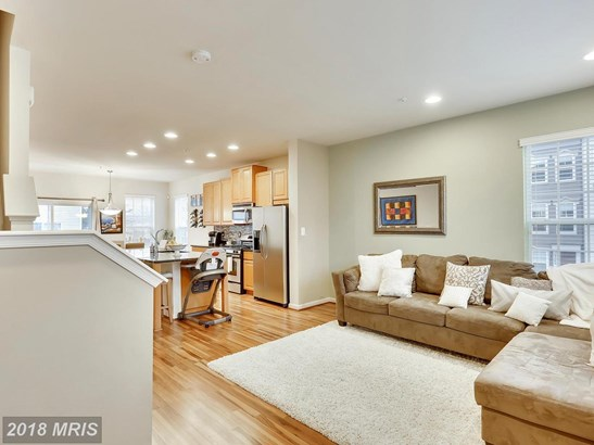 Townhouse, Traditional - CLARKSBURG, MD (photo 3)