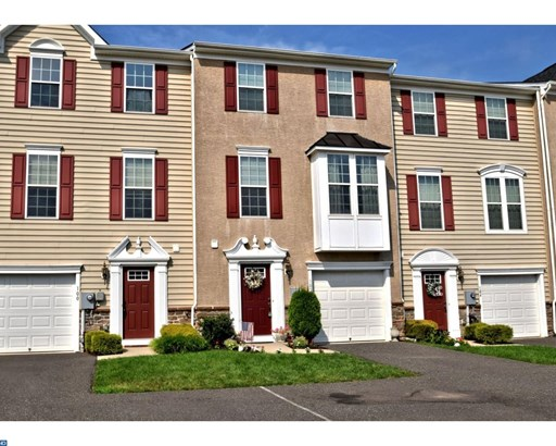 Row/Townhouse, Colonial - GILBERTSVILLE, PA