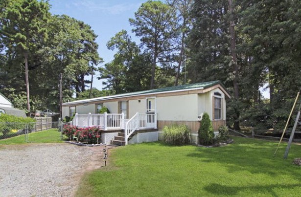 Manufactured Home,Mobile Home, Other - Chincoteague, VA (photo 1)