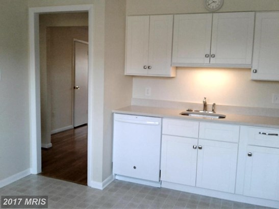 Townhouse, Contemporary - TOWSON, MD (photo 4)