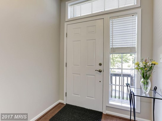 Townhouse, Contemporary - CROFTON, MD (photo 3)