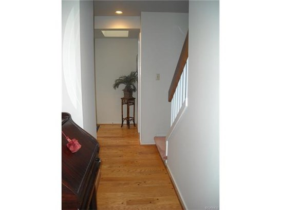 Transitional, Condo/Townhouse - Urbanna, VA (photo 5)