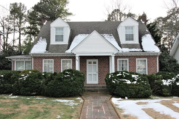 Colonial,1 1/2 Story, Residential - Kenbridge, VA