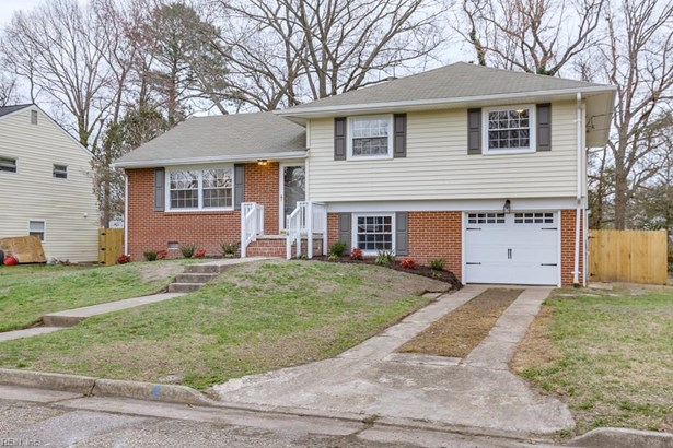 Tri-Level, Single Family - Hampton, VA (photo 3)