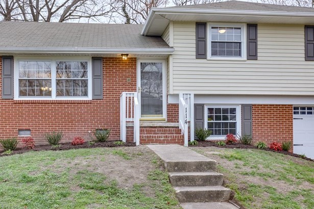 Tri-Level, Single Family - Hampton, VA (photo 4)