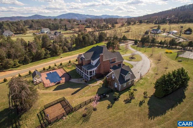 Detached - CROZET, VA (photo 2)