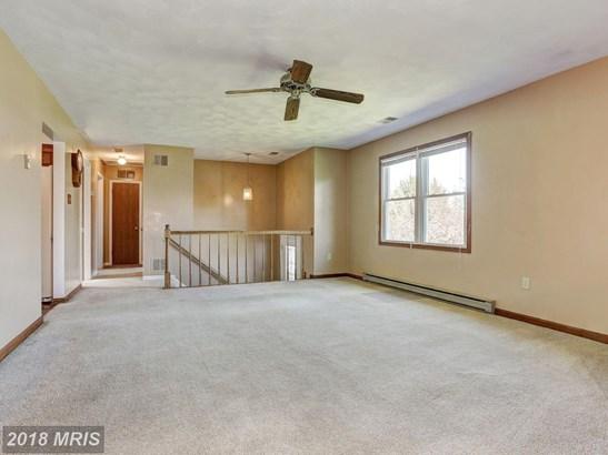Split Foyer, Detached - MANCHESTER, MD (photo 2)