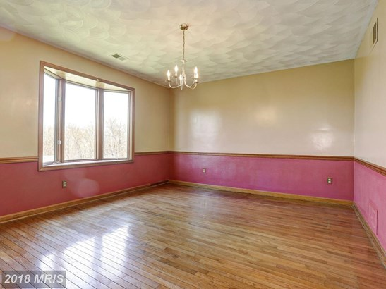 Split Foyer, Detached - MANCHESTER, MD (photo 4)