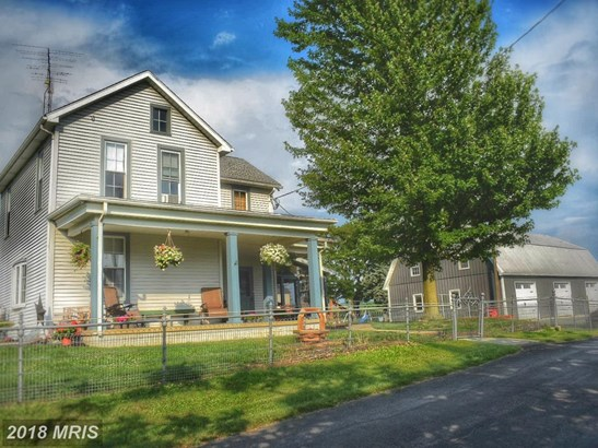 Farm House, Detached - CHAMBERSBURG, PA (photo 1)