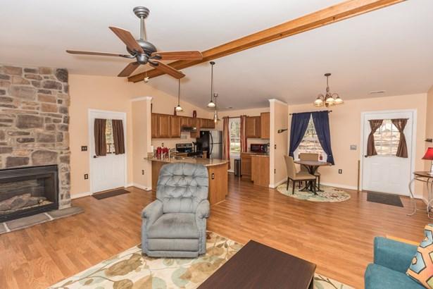 Residential/Vacation, 1 Story - Gasburg, VA (photo 2)