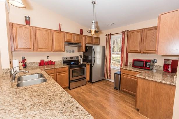 Residential/Vacation, 1 Story - Gasburg, VA (photo 3)