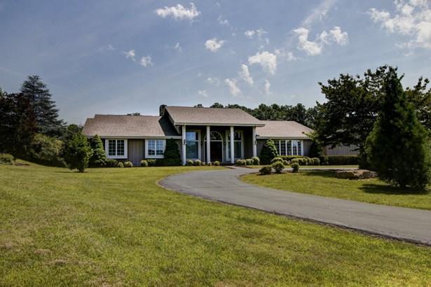 Residential, Contemporary - Troutville, VA (photo 1)