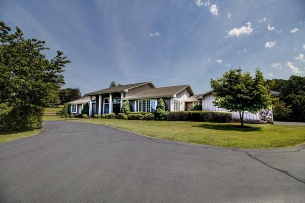 Residential, Contemporary - Troutville, VA (photo 2)