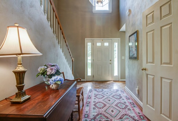 Residential, Colonial - Cloverdale, VA (photo 5)