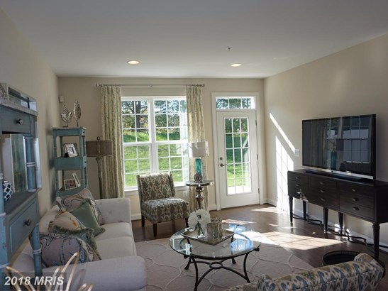 Townhouse, Traditional - COLUMBIA, MD (photo 3)