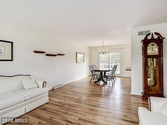 Split Foyer, Detached - FINKSBURG, MD (photo 4)