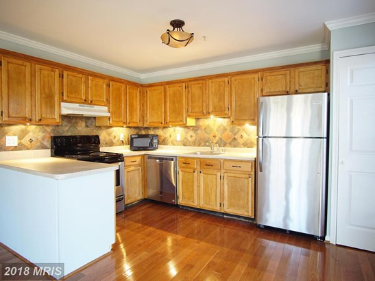 Townhouse, Traditional - LANDOVER, MD (photo 4)