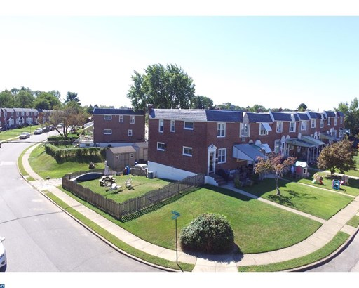Row/Townhouse, StraightThru - GLENOLDEN, PA (photo 2)