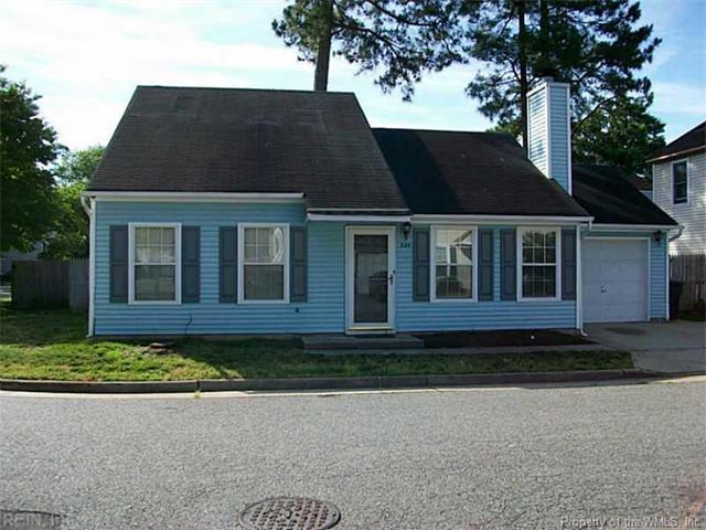 2-Story, Colonial, Single Family - Newport News, VA (photo 2)