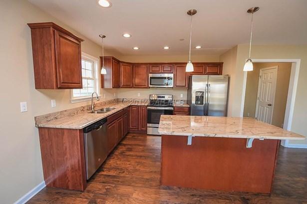 Single Family Home - Fruitland, MD (photo 5)