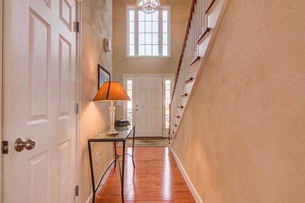 Residential, Colonial - Salem, VA (photo 4)