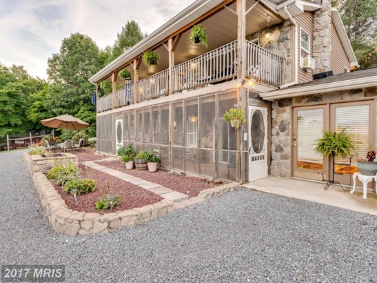 Contemporary, Detached - HEDGESVILLE, WV (photo 1)