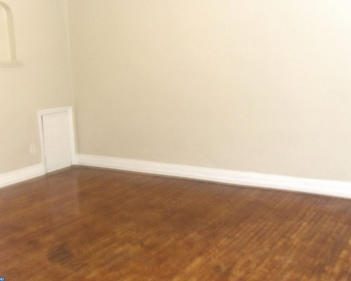 Colonial, Row/Townhouse/Cluster - CLIFTON HEIGHTS, PA (photo 2)