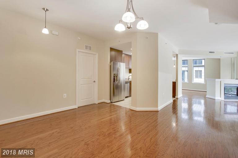 Hi-Rise 9+ Floors, Contemporary - RESTON, VA (photo 3)