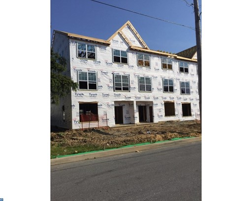 Row/Townhouse, Traditional - WEST CHESTER BORO, PA (photo 2)