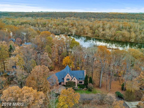 French Country, Detached - POTOMAC, MD (photo 2)