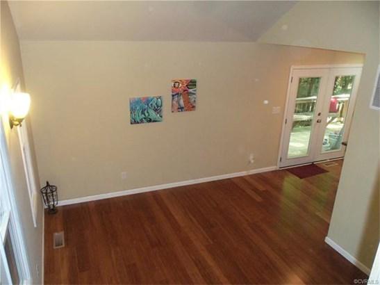 Contemporary, Single Family - North Chesterfield, VA (photo 4)